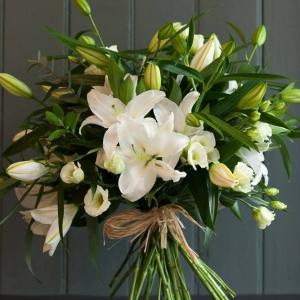 Букет Белла - Онлайн магазин за цветя в саксия за дома Magic Flowers