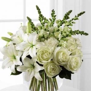 Букет Бяла магия - Онлайн магазин за цветя в саксия Magic Flowers