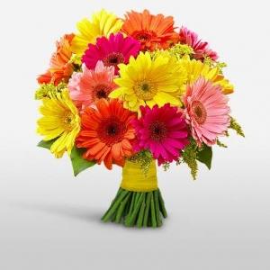 Букет микс от 21 гербера - Магазин за цветя в саксия Magic Flowers