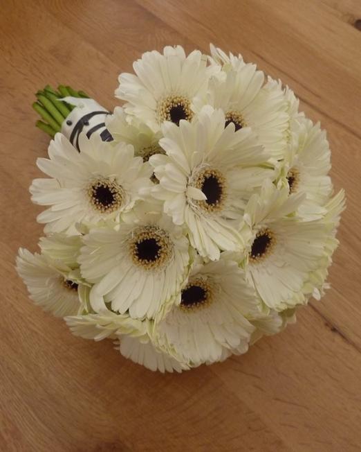 Букет Sweety - Доставка на цветя в саксия Варна Magic Flowers