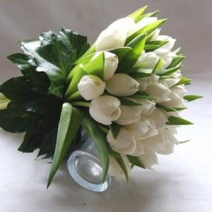 Букет White love - Доставка на цветя в саксия Magic Flowers