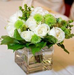 Букет от бели цветя от онлайн магазин за цветя в саксия Magic Flowers