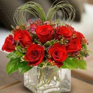 Букет от рози - Доставка на саксийни цветя Варна Magic Flowers