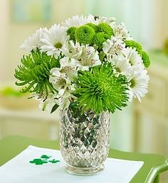 Изискан букет - Доставка на цветя в саксия до дома Magic Flowers