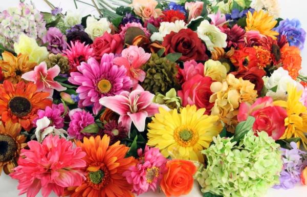 silk_flowers-92995632413