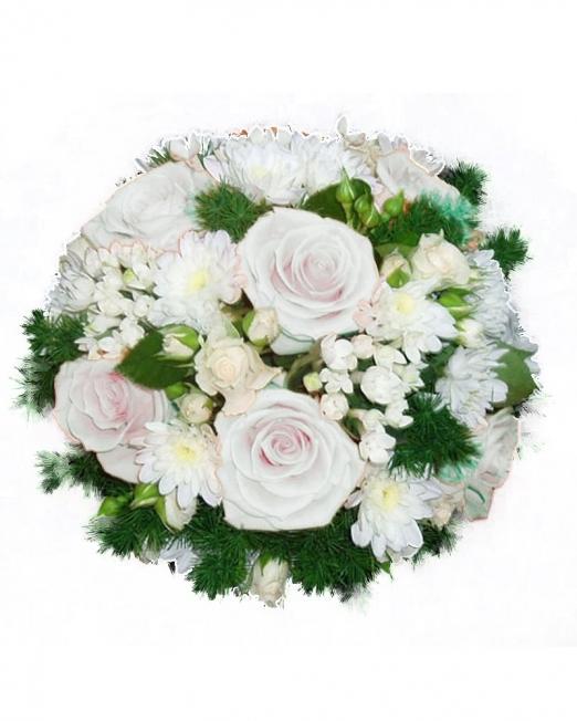 Букет от бели цветя